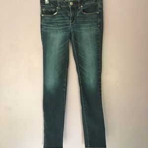 🌵American Eagle size 2 jeans